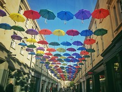 #Bath #bathuk #umbrella #streetart #citycentre #walk #colours #paraguas #artecallejero #centro #paseo #colores #picoftheday #fotodeldia (lunatica_89) Tags: streetart umbrella bath colours walk centro colores paseo paraguas citycentre picoftheday artecallejero bathuk fotodeldia
