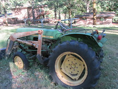 Paradise Lodge John Deere Tractor (Nancy D. Brown) Tags: paradiselodge johndeere johndeeretractor southern oregon rogueriver rowadventures southernoregon tractor