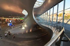 Available light: Station Arnhem (H. Bos) Tags: availablelight aanweziglicht licht light arnhem gelderland station railwaystation benvanberkel
