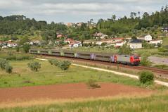 IC 722 - Pombal (valeriodossantos) Tags: comboio cp train passageiros 5600 corail locomotivaelétrica carruagens intercidades cplongocurso rápido pombal linhadonorte caminhosdeferro portugal