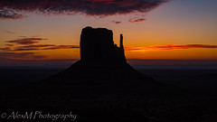 The View (The Happy Traveller) Tags: monumentvalley theviewresort arizona sunrisesunset sunrise sceniclandscapes