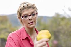Fructe de sezon, incearca gutuile! Super proprietati! (damianapaun) Tags: anemie copac copilarie crescuta deosebita desert dintii fericit fermaanimalelor fier fosfor fructedesezon generatia gingiile gutui gutuile imunitate minerale potasiu presiuneavasculara prorpietati remineralizeaza scapaderaceala secret secretulretetei sursabogata toamna vitamine