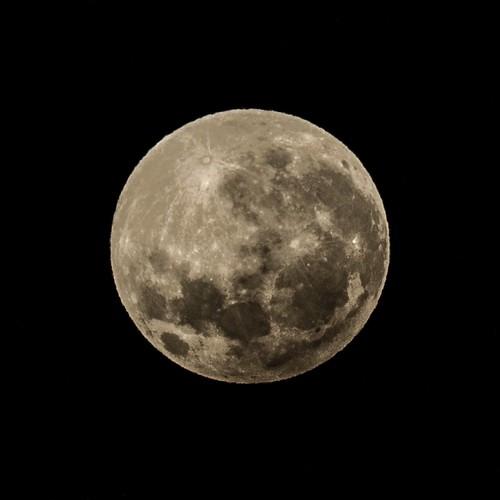 Penumbral Lunar Eclipse - Barton - ACT - Australia - 20160917 @ 05:39
