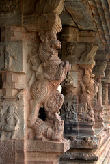Men riding Mythical animals - Yalis (VinayakH) Tags: bhoganandeeshwaratemple karnataka india temple nandihills chikkaballapura chola ganga hoysala tipusultan religious historic