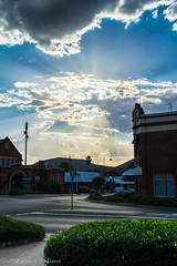 Wellington NSW (Rikardo daVinci) Tags: clouds rural town afternoon village country australia nsw wellington newsouthwales sunburst silverlining 2014