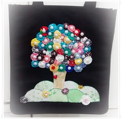 solartesemimos (Ateli Sol Alexandre) Tags: flores presentes decoupage camisetas aplique personalizados fuxicos personalizada ecobags patchaplique