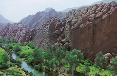Dades gorge, Morocco (Miche & Jon Rousell) Tags: africa river northafrica morocco dadesgorge