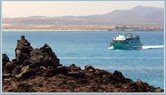 Canary islands, Fuerteventura, Isla de Lobos (aad.born) Tags: espaa ferry spain fuerteventura espana canaryislands spanje loslobos islascanarias veerboot corralejo  canarischeeilanden  isladelobos corralejobeach aadborn