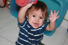 Heeeyyy!!! (((JC)) Jlio Carvalho) Tags: baby canon jc beb nophotoshop toddle eos400d mylittleisaac