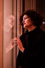 reflet de soi (Cyril Lescot) Tags: paris nikon femme bnf reflets 2014 d5100
