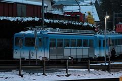 Triebwagen CFHe 2/4 12 der Arth - Rigi - Bahn ARB ( Heute Rigi Bahnen RB => Baujahr 1948 => Hersteller SLM Nr. 3974 ) am Bahnhof Arth - Goldau im Kanton Schwyz der Schweiz (chrchr_75) Tags: train de tren schweiz switzerland suisse swiss eisenbahn railway zug locomotive cogwheel christoph svizzera bahn zahnrad treno schweizer rb chemin centralstation fer januar locomotora tog crmaillre juna lokomotive lok ferrovia rigi bergbahn cremallera spoorweg suissa 2015 zahnradbahn locomotiva lokomotiv ferroviaria  locomotief 1501 chrigu  rautatie  mountaintrain bahnen zoug trainen  chrchr hurni chrchr75 chriguhurni albumbahnenderschweiz chriguhurnibluemailch januar2015 albumbahnenderschweiz201516 hurni150120 albumzzz201501januar
