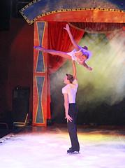 2014_Berlin_Xmas_1531 (SJM_1974) Tags: circus iceskating laurahill pairsskating piereloupbouquet
