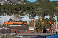 Northbound BNSF at Larkspur (Michael Karlik) Tags: mountain train colorado hill front line coal range freight bnsf joint
