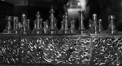 Nos jugamos mucho, mueve ficha! (mArregui) Tags: blancoynegro blanco nikon negro fez juego marruecos ajedrez blanconegro profundidaddecampo monocromtico marruecosencolores elcolordemarruecos wwwarreguimeluscom marregui
