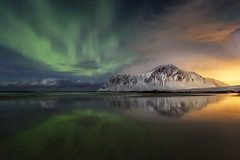 Night of Colors (Ral Podadera Sanz) Tags: artic artico lofoten islan sea light sunset sunrise aurora northenlights auroraboreal clouds travel green night seascape landscape