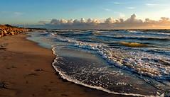 Ostsee (Wunderlich, Olga) Tags: licht wind insel rgen ostsee schaum wellen strandkrbe
