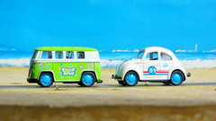 Volkswagen Beetle And Volkswagen Microbus Pull Back And Let Go Die-Cast Toy Made By Funtastic Birmingham England 2015 : Diorama Beach - 16 Of 34 (Kelvin64) Tags: volkswagen beetle and microbus pull back let go diecast toy made by funtastic birmingham england 2015 diorama beach