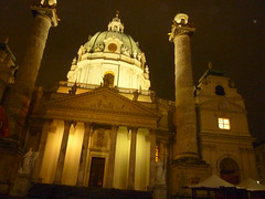 P1010154 (ferenc.puskas81) Tags: vienna wien november church night austria österreich europa europe novembre chiesa 2009 karlskirche