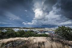 Flygtornet (phaxe) Tags: blue green clouds canon 5d perspectiv torslanda vinjett 5dmkii 5dmk2