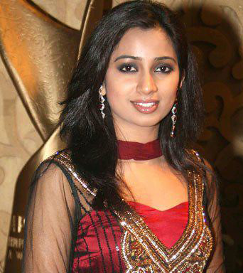 Shreya-Ghoshal-at-show