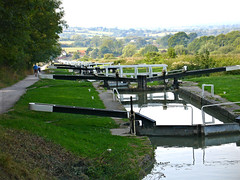 D1441.  Caen Hill Flight. (Ron Fisher) Tags: uk greatbritain england canal unitedkingdom lock gb waterways kennetavon