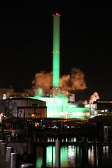 Skorsten (Benny Hnersen) Tags: chimney green night germany deutschland december nacht nat grn tyskland reflexion spiegelung schornstein flensburg 2014 skorsten grn spejling refleksion flensborg