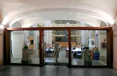 UAH. Convento de los Trinitarios. Biblioteca (UAHes) Tags: franklin biblioteca convento instituto fotografa alcal uah cientfica trinitarios ielat campushistrico