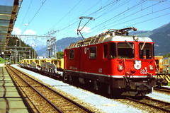 R11339.  Ge4/4 II 632 ZIZERS at Thusis. (Ron Fisher) Tags: schweiz switzerland suisse transport bobo rail railway publictransport narrowgauge rhb graubünden rhätischebahn thusis schmalspurbahn swissrailways ge44ii metregauge voieetroite