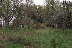 2016-05-18_04-58-54 (tommikv) Tags: abandoned forgotten abandonedhouse desolate derelict hyltty autiotalo