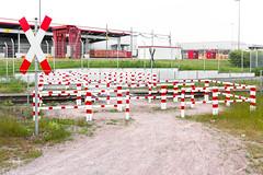 deutschland IX (coupeuse meier) Tags: rot form duisburg function weis overprotective