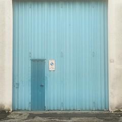 PG # (Kazze) Tags: street door porta stradale divieto divietodisosta passocarrabile segale instagram
