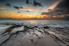 Tegal Wangi Beach (Leslie Hui) Tags: sunset bali seascape indonesia sunray fierysky tegalwangi