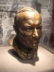 POPE SAINT JOHN PAUL II. (goldiesguy) Tags: vatican statue museum artwork statues ronaldreaganlibrary vaticansplendors goldiesguy