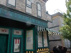 hooper's store (2) (pompomflipflop) Tags: sesamestreet hoopersstore sesameplace