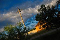 Jutro (Sareni) Tags: road street morning trees light sky house tree colors grass june wall clouds spring drum branches serbia sm bandera zora put vojvodina twop srbija nebo banat 2016 drvo trava prolece grane boje kuca ulica svetlost oblaci jutro zid drvece alibunar dalekovod juznibanat sareni savemuncana