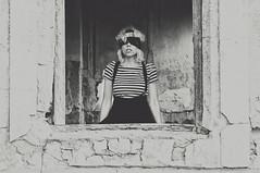 (Mishifuelgato) Tags: portrait white black blanco dark de ventana 50mm nikon negro salinas alicante ojos laguna fotografia 18 sax venda oscuridad phtography d90