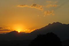 Pr do Sol na Mantiqueira (BrunoNavas) Tags: brasil brazil br sp sopaulo cruzeiro serradamantiqueira serra mantiqueira montanha montain marins picodosmarins pico sol prdosol pordosol tarde fimdetarde sunset