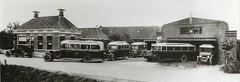 Scheper & Mulder Holwierde, overzichtsfoto (Hartenhof) Tags: bus chevrolet 1932 citroën groningen autobus busgarage amsterdamseschool medema holwierde fordbus latil schepermulder