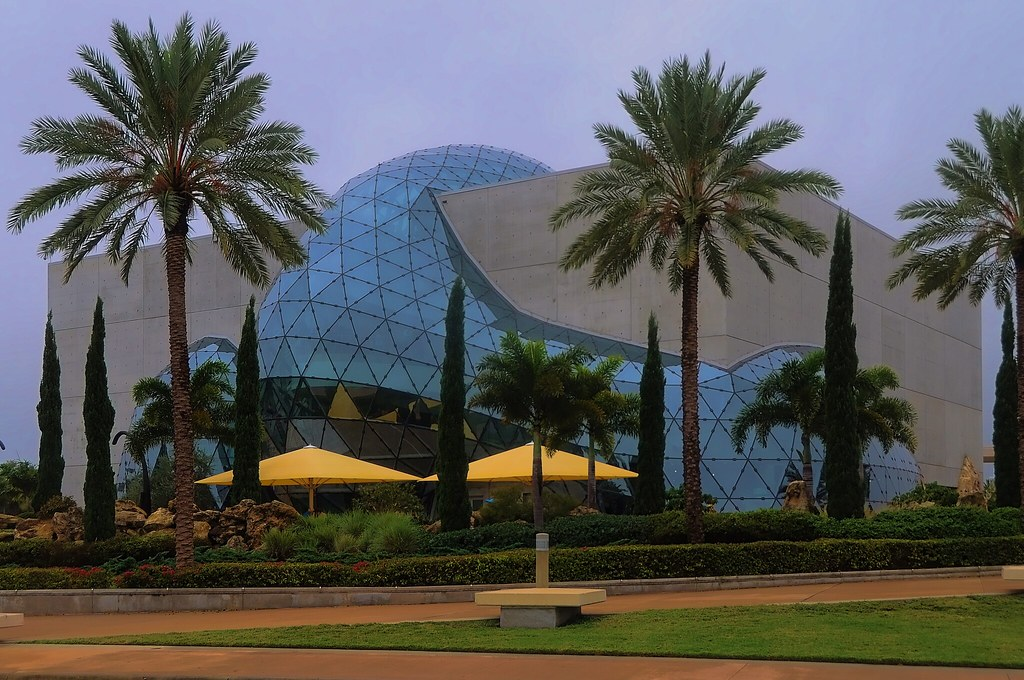 Hotel Packages Enjoy special hotel package offers which may include Dali Museum tickets from a wide range of preferred hotels in the Tampa Bay area. Directions Approaching via Tampa Take I southbound across the Howard Frankland Bridge to St. Petersburg.