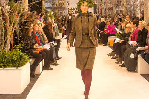 SONIA REYNOLDS PRESENTS HER SELECTION OF THE BEST OF IRISH FASHION- REF-101363