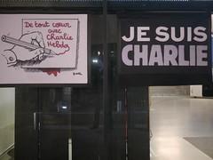 Rassemblement de soutien  Charlie Hebdo - 7 janvier 2015 - Toulon -  P1980263 (styeb) Tags: charlie tribute hommage xml janvier toulon 2015 soutien hebdo