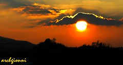 tramontando (archgionni) Tags: trees light sunset sky sun alberi clouds tramonto nuvole hills cielo sole luce colline top20flickrskylines