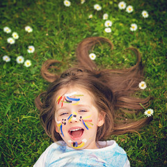 My little messer_ 18 dogwood 52 week challenge (Sigita JP) Tags: portrait funnyface cute funny 85mm messy week19 kidsportrait naturallightphotography naturallightportrait littleexplore dogwood52