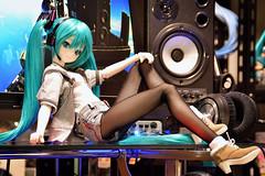 Dollfie Dream Hatsune Miku (Lpt_Yamamoto) Tags: doll desk indoor collection bjd dd hatsune miku dollfiedream vocaloid  hatsunemiku  snowmiku