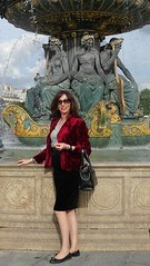 Sunny fountain / Soleil  la fontaine (french_lolita) Tags: red black grey top velvet jacket skrt