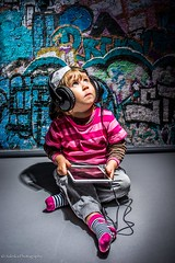 """Eimi music lover"" (salas-3) Tags: photo photography studio background headphones ipad music girl child"
