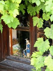 Prinzessin (UlvargHS) Tags: fenster sony details holz glas puppe wein bulgarien ulvarg