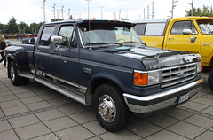 F350 (Schwanzus_Longus) Tags: bremen german germany us usa america american old classic vintage car vehicle pickup pick up truck fahrzeug auto linien outdoor ford f 350 f350 xlt lariat