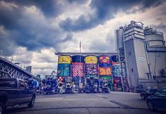 The Giants - Vancouver, Canada (溫哥華, 加拿大) (dlau Photography) Tags: giants vancouver canada 溫哥華 加拿大 巨人 industrial concrete silos 工业 混凝土 筒仓 工业混凝土筒仓 工業混凝土筒倉 工業 筒倉 vibrant mural vibrantmural 充滿活力的壁畫 充滿活力 壁畫 充满活力的壁画 充满活力 壁画 spraypainted 喷漆 噴漆 streetartist street artist 藝術家 艺术家 街頭艺术家 街頭藝術家 osgemeos 雙胞胎 双胞胎 twins travel tourist vacation visitor people lifestyle life style sightseeing 游览 遊覽 trip 旅遊 旅游 local 当地 當地 city 城市 urban tour scenery 风景 風景 weather 天氣 天气 granvilleisland 格兰维尔岛 格蘭維爾島 twop 戶外 soe