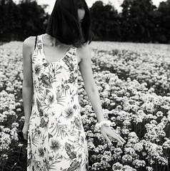 (Ah - Wei) Tags: bronica ectl 75mm shanghaigp3 120 medium 6x6 bw film hc110 women flower